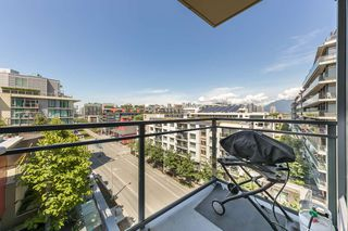 Photo 15: 908 38 W 1ST Avenue in Vancouver: False Creek Condo for sale (Vancouver West)  : MLS®# R2389824