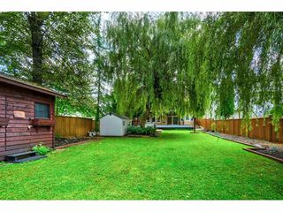 Photo 3: 20567 98 Avenue in Langley: Walnut Grove House for sale : MLS®# R2410656