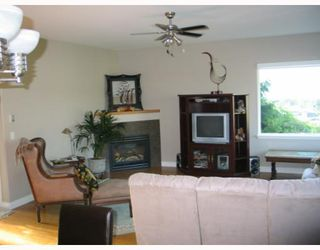"Photo 4: 4875 BLUEGROUSE Drive in Sechelt: Sechelt District House for sale in ""Davis Bay"" (Sunshine Coast)  : MLS®# V782879"
