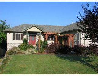 "Photo 2: 4875 BLUEGROUSE Drive in Sechelt: Sechelt District House for sale in ""Davis Bay"" (Sunshine Coast)  : MLS®# V782879"