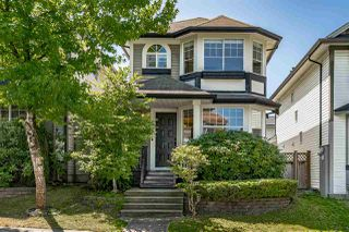 "Photo 1: 8693 206B Street in Langley: Walnut Grove House for sale in ""Discovery Town"" : MLS®# R2479160"