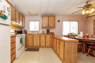 Photo 6: 22 13507 81 Avenue in Surrey: Queen Mary Park Surrey Manufactured Home for sale : MLS®# R2499572