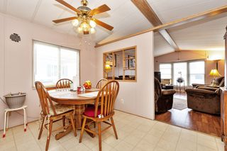 Photo 5: 22 13507 81 Avenue in Surrey: Queen Mary Park Surrey Manufactured Home for sale : MLS®# R2499572