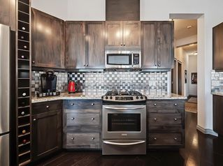 Photo 8: 405 8 Hemlock Crescent SW in Calgary: Spruce Cliff Apartment for sale : MLS®# A1043229