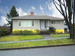 """Photo 1: 4770 DUCHESS Street in Vancouver: Collingwood VE House for sale in """"COLLINGWOOD"""" (Vancouver East)  : MLS®# V809813"""