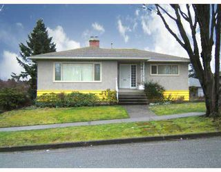 """Photo 11: 4770 DUCHESS Street in Vancouver: Collingwood VE House for sale in """"COLLINGWOOD"""" (Vancouver East)  : MLS®# V809813"""