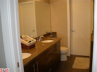 """Photo 8: 104 16483 64TH Avenue in Surrey: Cloverdale BC Condo for sale in """"SAINT ANDREWS"""" (Cloverdale)  : MLS®# F1020760"""