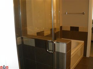 """Photo 10: 104 16483 64TH Avenue in Surrey: Cloverdale BC Condo for sale in """"SAINT ANDREWS"""" (Cloverdale)  : MLS®# F1020760"""