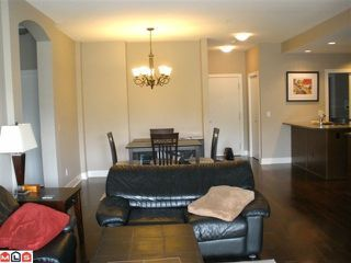 """Photo 3: 104 16483 64TH Avenue in Surrey: Cloverdale BC Condo for sale in """"SAINT ANDREWS"""" (Cloverdale)  : MLS®# F1020760"""