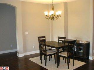 """Photo 5: 104 16483 64TH Avenue in Surrey: Cloverdale BC Condo for sale in """"SAINT ANDREWS"""" (Cloverdale)  : MLS®# F1020760"""