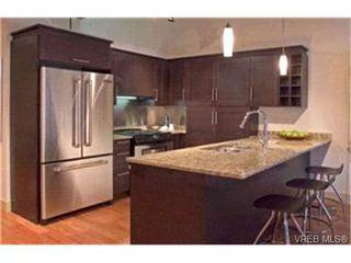Photo 2: 304 737 Humboldt St in : Vi Downtown Condo Apartment for sale (Victoria)  : MLS®# 416148