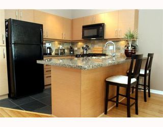"Photo 4: 306 1315 56TH Street in Tsawwassen: Cliff Drive Condo for sale in ""OLIVA"" : MLS®# V753785"