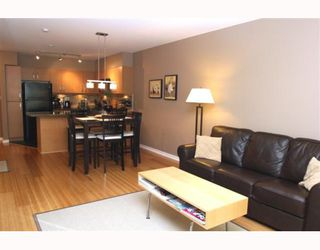 "Photo 7: 306 1315 56TH Street in Tsawwassen: Cliff Drive Condo for sale in ""OLIVA"" : MLS®# V753785"