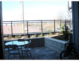 "Photo 7: 215 688 E 17TH Avenue in Vancouver: Fraser VE Condo for sale in ""Mondella"" (Vancouver East)  : MLS®# V760599"