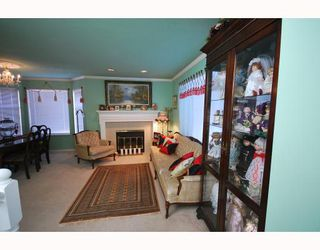 Photo 2: 10 8280 BENNETT Road in Richmond: Brighouse South Townhouse for sale : MLS®# V772209