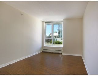 "Photo 5: 907 188 KEEFER Place in Vancouver: Downtown VW Condo for sale in ""ESPANA"" (Vancouver West)  : MLS®# V774402"