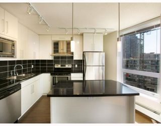 "Photo 3: 907 188 KEEFER Place in Vancouver: Downtown VW Condo for sale in ""ESPANA"" (Vancouver West)  : MLS®# V774402"
