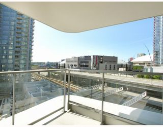 "Photo 8: 907 188 KEEFER Place in Vancouver: Downtown VW Condo for sale in ""ESPANA"" (Vancouver West)  : MLS®# V774402"