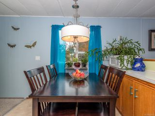 Photo 4: 5572 Horne St in UNION BAY: CV Union Bay/Fanny Bay Manufactured Home for sale (Comox Valley)  : MLS®# 827956