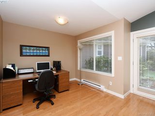 Photo 5: 10 830 Rogers Ave in VICTORIA: SE High Quadra Row/Townhouse for sale (Saanich East)  : MLS®# 833817