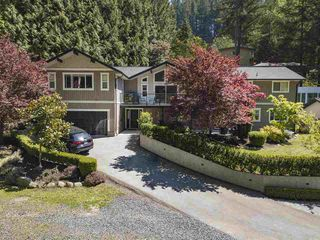 """Main Photo: 2092 RIVERSIDE Drive in North Vancouver: Seymour NV House for sale in """"Seymour Riverside"""" : MLS®# R2455618"""