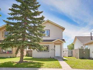 Photo 1: 328 FALTON Drive NE in Calgary: Falconridge Detached for sale : MLS®# C4301347