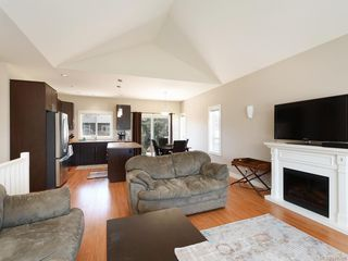 Photo 3: 1015 Englewood Ave in Langford: La Happy Valley House for sale : MLS®# 840595