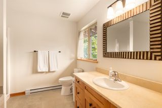 """Photo 15: 923 ELROND'S Court: Bowen Island House for sale in """"Cates Hill"""" : MLS®# R2511462"""