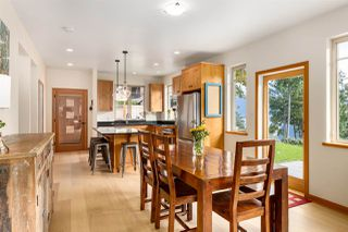 """Photo 8: 923 ELROND'S Court: Bowen Island House for sale in """"Cates Hill"""" : MLS®# R2511462"""