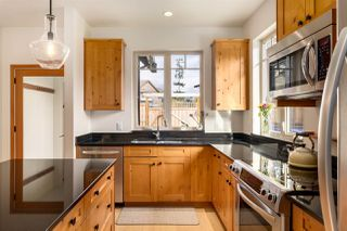 """Photo 10: 923 ELROND'S Court: Bowen Island House for sale in """"Cates Hill"""" : MLS®# R2511462"""