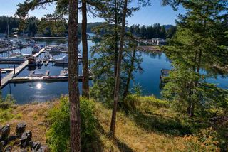 "Photo 14: 23C 12849 LAGOON Road in Pender Harbour: Pender Harbour Egmont Condo for sale in ""Painted Boat Resort & Spa"" (Sunshine Coast)  : MLS®# R2515330"