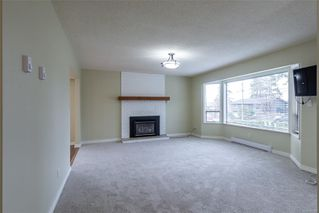 Photo 2: 711 Laird Cres in : CR Campbell River Central House for sale (Campbell River)  : MLS®# 861261