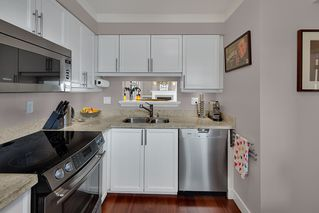 """Photo 9: 402 1406 HARWOOD Street in Vancouver: West End VW Condo for sale in """"JULIA COURT"""" (Vancouver West)  : MLS®# R2527458"""