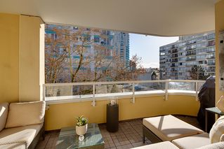 """Photo 18: 402 1406 HARWOOD Street in Vancouver: West End VW Condo for sale in """"JULIA COURT"""" (Vancouver West)  : MLS®# R2527458"""
