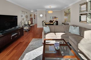 """Photo 6: 402 1406 HARWOOD Street in Vancouver: West End VW Condo for sale in """"JULIA COURT"""" (Vancouver West)  : MLS®# R2527458"""