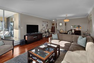 """Photo 5: 402 1406 HARWOOD Street in Vancouver: West End VW Condo for sale in """"JULIA COURT"""" (Vancouver West)  : MLS®# R2527458"""