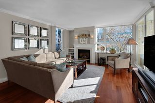 """Photo 2: 402 1406 HARWOOD Street in Vancouver: West End VW Condo for sale in """"JULIA COURT"""" (Vancouver West)  : MLS®# R2527458"""