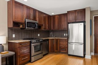 Photo 4: 702 828 Rupert Terr in : Vi Downtown Condo for sale (Victoria)  : MLS®# 862582