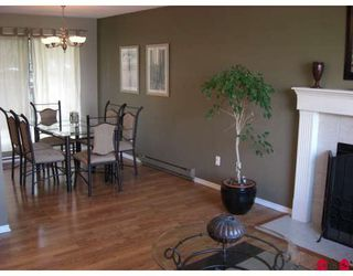 """Photo 3: 3076 TODD Court in Abbotsford: Abbotsford East House for sale in """"MCMILLAN/GLENRIDGE"""" : MLS®# F2921643"""