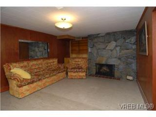 Photo 14: 2882 Wyndeatt Ave in VICTORIA: SW Gorge Single Family Detached for sale (Saanich West)  : MLS®# 516813