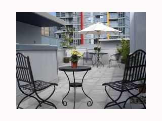 """Photo 2: 103 REGIMENT Square in Vancouver: Downtown VW Townhouse  in """"SPECTRUM 3"""" (Vancouver West)  : MLS®# V817637"""