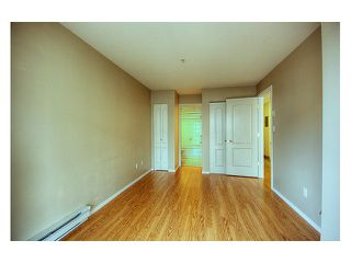 "Photo 7: 344 5880 DOVER Crescent in Richmond: Riverdale RI Condo for sale in ""WATERSIDE"" : MLS®# V819804"
