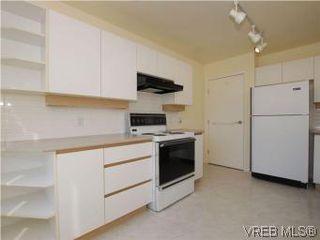 Photo 9: 330 188 Douglas St in VICTORIA: Vi James Bay Condo for sale (Victoria)  : MLS®# 549562