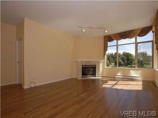 Photo 5: 330 188 Douglas St in VICTORIA: Vi James Bay Condo for sale (Victoria)  : MLS®# 549562