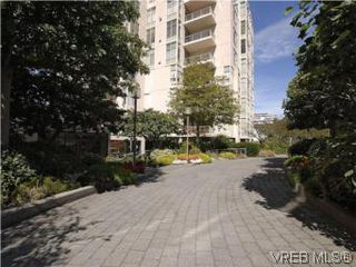 Photo 3: 330 188 Douglas St in VICTORIA: Vi James Bay Condo for sale (Victoria)  : MLS®# 549562