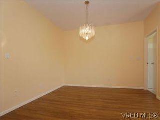 Photo 7: 330 188 Douglas St in VICTORIA: Vi James Bay Condo for sale (Victoria)  : MLS®# 549562