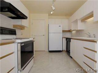 Photo 11: 330 188 Douglas St in VICTORIA: Vi James Bay Condo for sale (Victoria)  : MLS®# 549562