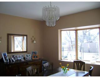 Photo 5:  in WINNIPEG: St James Residential for sale (West Winnipeg)  : MLS®# 2905607