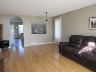 Photo 5: 6 Olympia Court: House for rent (St. Albert)