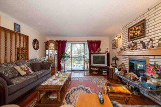 Photo 2: 578 E 10TH Avenue in Vancouver: Mount Pleasant VE House for sale (Vancouver East)  : MLS®# R2437830